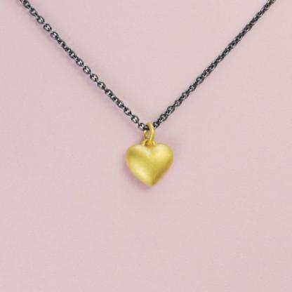 Goldener Herzanhänger aus 750er Gelbgold massiv gegossen online kaufen