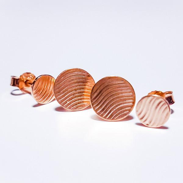 """Guilloche Ohrstecker kaufen Silber Rosegold plattiert 600x600 - Guillochierte Ohrstecker """"Waves"""" Roségold plattiert"""