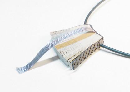 """Halskette Bookworm kaufen 416x296 - Halskette """"Bookworm"""""""