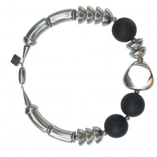 Halskette mit Boegen Kugeln Triangel und Halbkugeln scaled 324x324 - Halskette mit Bögen, Kugeln, Triangel und Halbkugeln