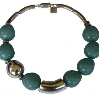 Halskette mit jadefarbenen Oliven einer Silberolive und Riesenbogen scaled 324x324 - Halskette mit kleinen Oliven und Riesenbogen
