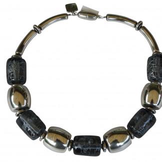 Halskette mit klar grauen Rollen und goldenen Tonnen scaled 324x324 - Halskette mit Rollen und Tonnen