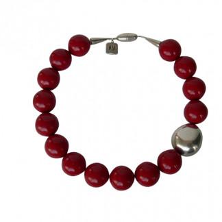 Halskette mit roten Kugeln und einer silbernen Olive 324x324 - Halskette mit Kugeln und Olive