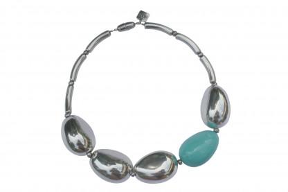 Halskette mit silbernen Oliven und türkis Olive scaled 416x277 - Halskette mit großen Oliven