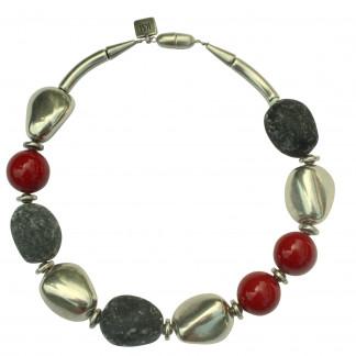 Halskette mit silbernen Steinen Lavasteinen und roten Kugeln scaled 324x324 - Halskette mit Steinen und Kugeln