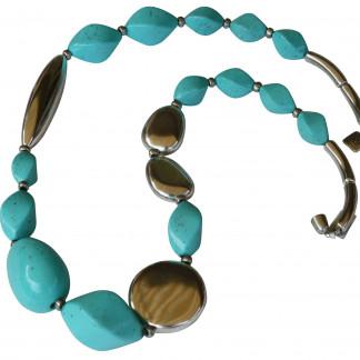 Halskette mit türkisfarbener Olive Nüssen silberner Platte und Pipette scaled 324x324 - Halskette mit großer Olive, große Platte, Nüssen und Riesenpipette
