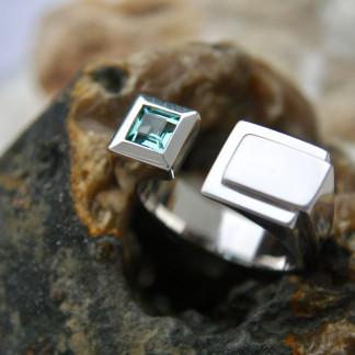Handgefertigten Designschmuck kaufen Männer Ring Futura 324x324 - Männer-Ring Futura aus Sterlingsilber mit Turmalin