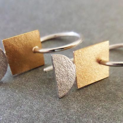 Individueller Ohrhänger Kleines Goldenes Quadrat von Goldschmiedin Andrea Bejöhr 416x416 - Ohrhänger Kleines Goldenes Quadrat