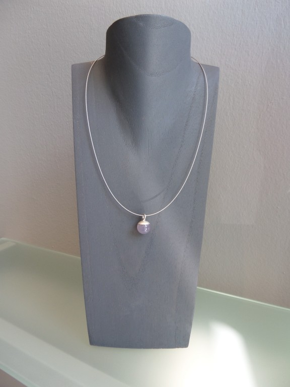 Kugelanhänger 925er Silber Chalcedonkugel 576x768 - Kettenanhänger aus Silber mit Chalcedonkugel