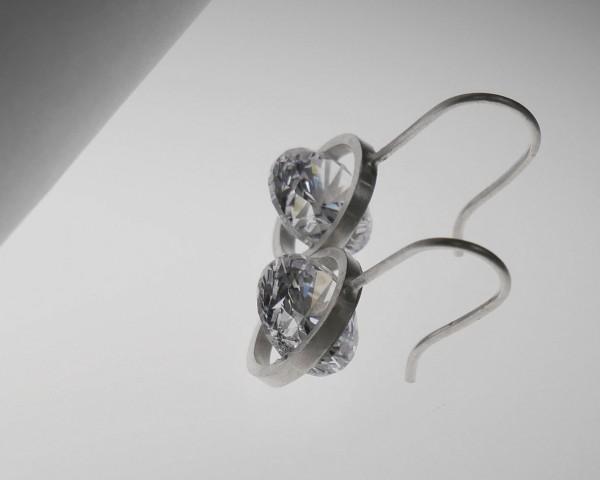 Ohrhänger freefall weiß 600x480 - Ohrhänger freefall