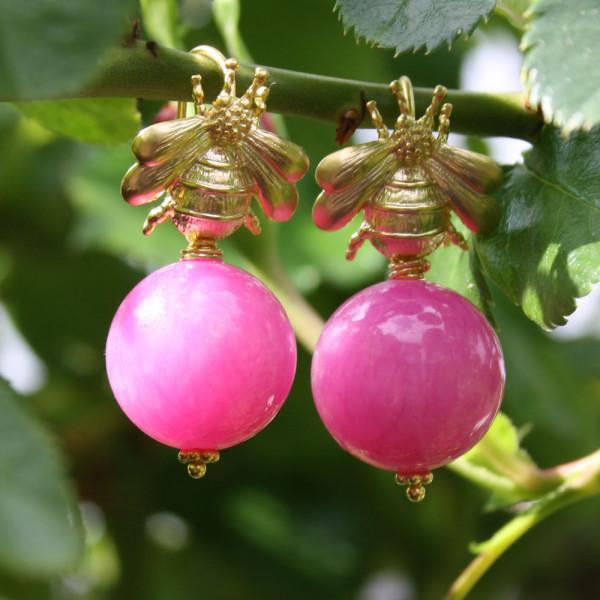 Ohrhänger kaufen Hummel mit Kugel aus pinker Malay Jade 600x600 - Ohrhänger Hummel mit Kugel aus pinker Malay Jade