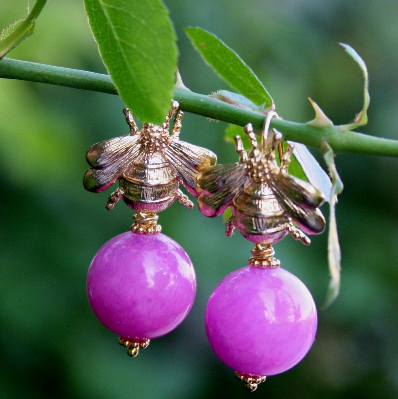 Ohrhänger Hummel mit Kugel aus pinker Malay Jade ♥ Dinky Donkey