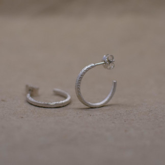 Ohrringe Ossa Sepia Kreolen scaled 324x324 - Ohrringe Ring Schwebend Silber