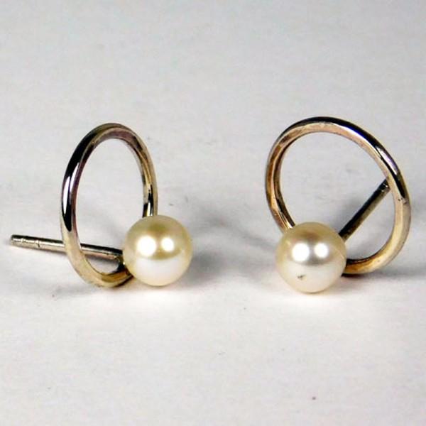 Ohrringe Perlenring Silber 1 600x600 - Ohrringe Perlenring Silber