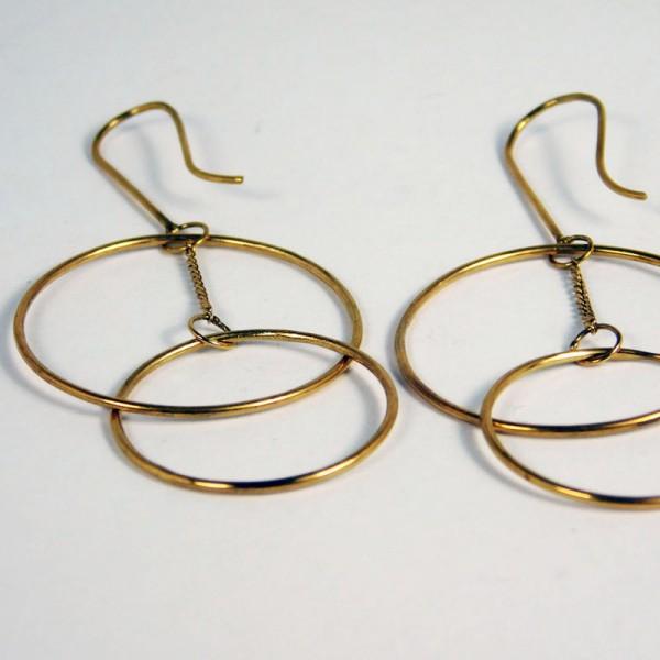 Ohrringe Ring Schwebend Gold 2 600x600 - Ohrringe Ring Schwebend Gold