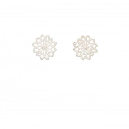 Ohrstecker Motiv Chrysanthemen aus 925er Silber 040 scaled 416x416 - Silberner Chrysanthemen-Ohrstecker
