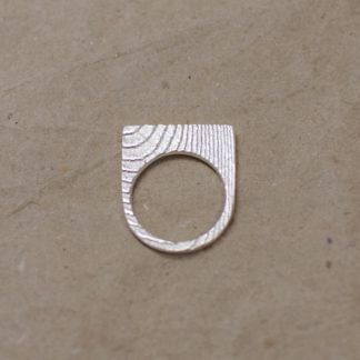 Ossa Sepia Ring halbrund 324x324 - Ossa Sepia Ring halbrund
