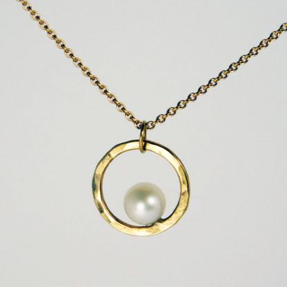 Perlenring Anhänger an Kette Gold 1 416x416 - Perlenring Anhänger an Kette Gold