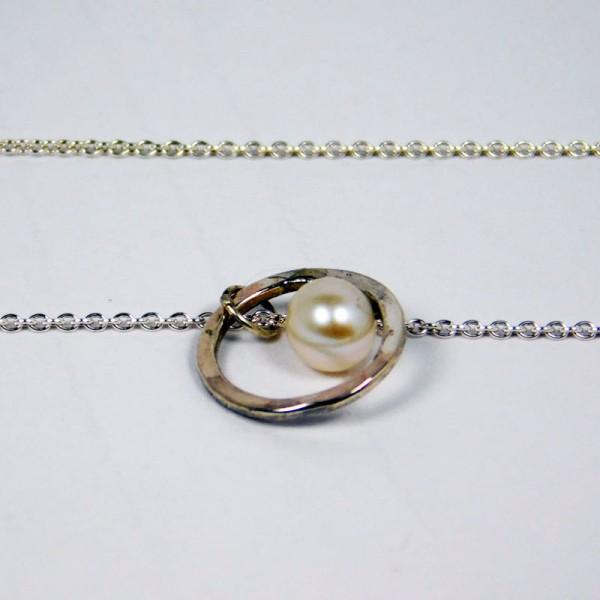 Perlenring Anhänger an Kette Silber 3 600x600 - Perlenring Anhänger an Kette Silber