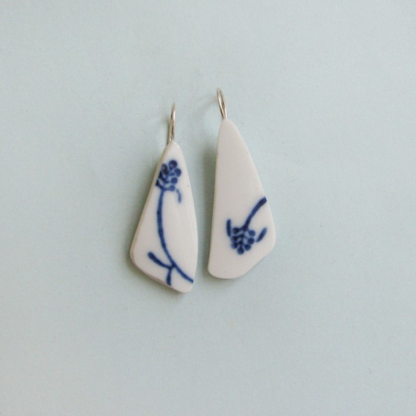 Porzellan Ohrhänger Blaue Ähre 600x600 - Porzellan-Ohrhänger Blaue Ähre