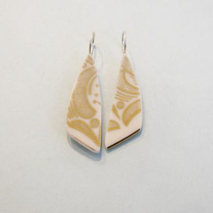 Porzellan Ohrhänger Goldene Blätter 416x416 - Porzellan-Ohrhänger Goldene Blätter