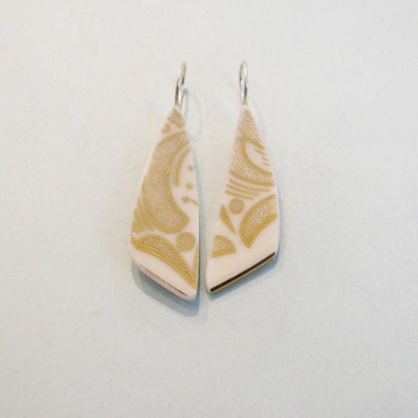 Porzellan Ohrhänger Goldene Blätter 600x600 - Porzellan-Ohrhänger Goldene Blätter