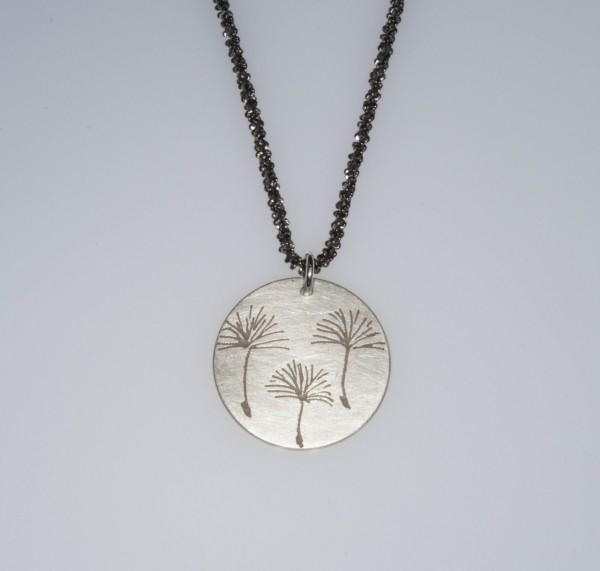 Pusteblume 3er Silberkette 600x571 - Halskette mit Anhänger 3 Pusteblumen Silber