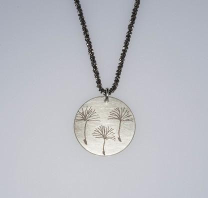 Pusteblume 3er Silberkette scaled 416x396 - Halskette mit Anhänger 3 Pusteblumen Silber