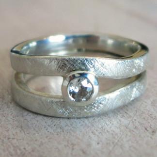 Ring Light 750 Gelbgold 324x324 - Mimosenring einfach aus 925er Silber