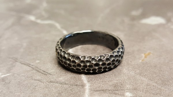 """Ring aus Silber Mond 600x337 - Männerring """"Mond"""" aus geschwärztem Silber"""