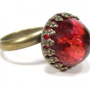 Ring vintage glas red dome