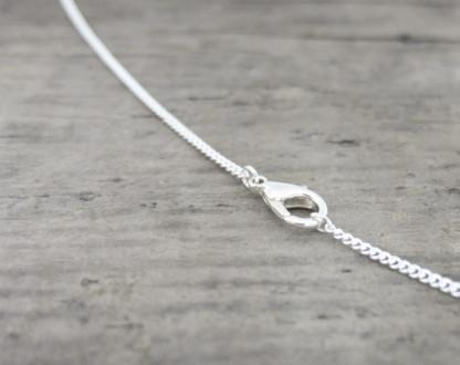 Schmuck Halskette Zimelie 1 416x330 - Sternklare Haselnuss-Halskette – Waage