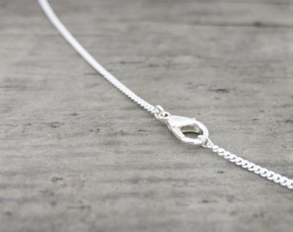 Schmuck Halskette Zimelie 1 600x476 - Sternklare Haselnuss-Halskette – Skorpion