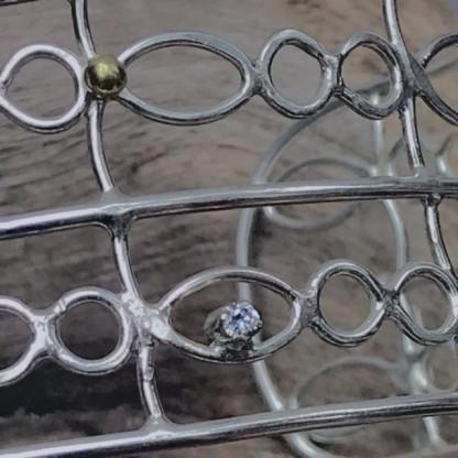 Schmuck kaufen Detail Schmuckarmreif Diamant Dinky Donkey 416x416 - Schmuckdesign Armreif mit Diamant