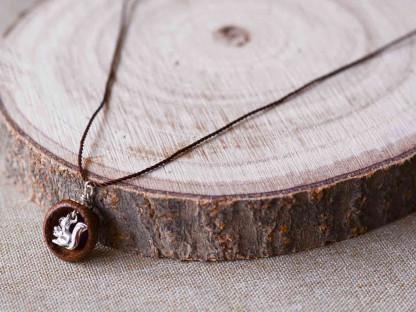 Schmuck kaufen Ebene Eichelhut Halskette – Eichhörnchen Silber Z224 1 von 5 416x312 - Eichelhut-Halskette mit Eichhörnchen