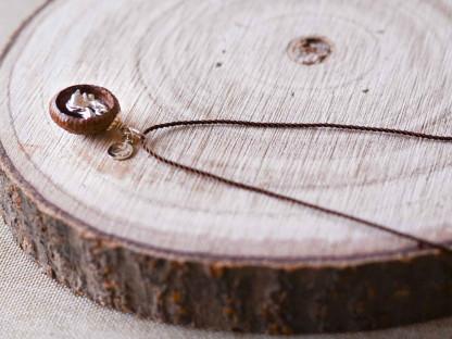 Schmuck kaufen Ebene Eichelhut Halskette – Eichhörnchen Silber Z224 3 von 5 416x312 - Eichelhut-Halskette mit Eichhörnchen