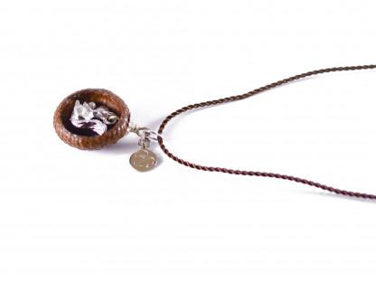 Schmuck kaufen Ebene Eichelhut Halskette – Eichhörnchen Silber Z224 4 von 5 416x312 - Eichelhut-Halskette mit Eichhörnchen