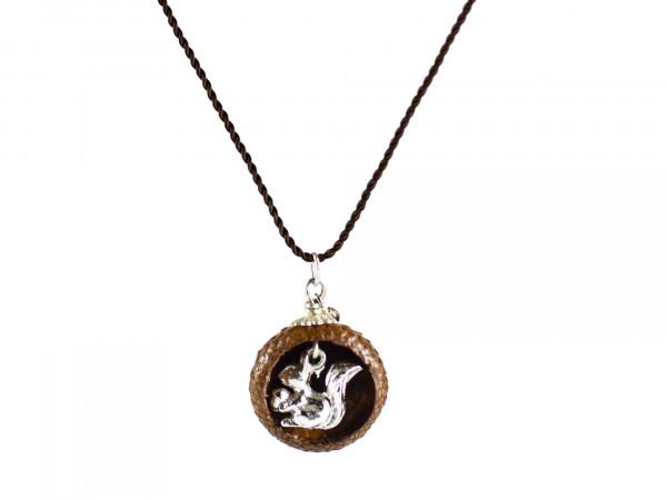 Schmuck kaufen Ebene Eichelhut Halskette – Eichhörnchen Silber Z224 5 von 5 600x450 - Eichelhut-Halskette mit Eichhörnchen