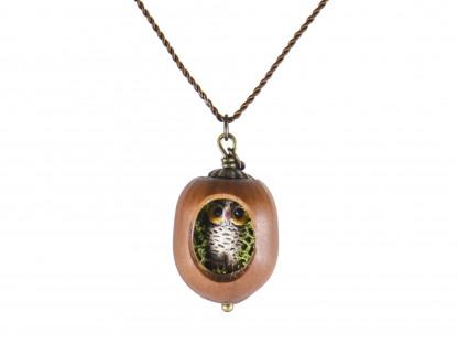 Schmuck kaufen Haselnuss Halskette mit filigraner Eule und Moos Z139 1 von 3 416x312 - Haselnuss-Halskette mit filigraner Eule und Moos