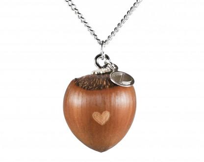 Schmuck kaufen Haselnuss Herz Halskette mit kleiner Herzgravur Silber Z187 416x330 - Haselnuss-Halskette mit Herzgravur