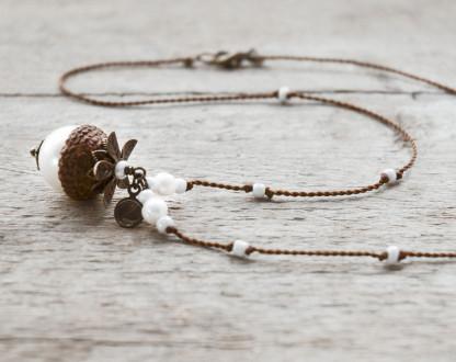 Schmuck kaufen Naturnahe Hochzeit Eichelhut Halskette Perlmutt Collier Bronze Z108 2 von 4 416x330 - Naturnahe Eichelhut-Halskette mit Perlmutt