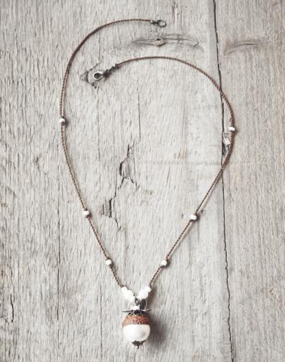 Schmuck kaufen Naturnahe Hochzeit Eichelhut Halskette Perlmutt Collier Bronze Z108 4 von 4 2 416x528 - Naturnahe Eichelhut-Halskette mit Perlmutt
