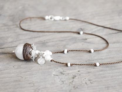 Schmuck kaufen Naturnahe Hochzeit Eichelhut Halskette Perlmutt Collier Silber Z136 1 von 2 416x312 - Eichelhut Halskette Perlmutt