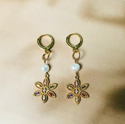 Schmuck kaufen Ohrringe Indira Blumen von Annette Schleer Everlove