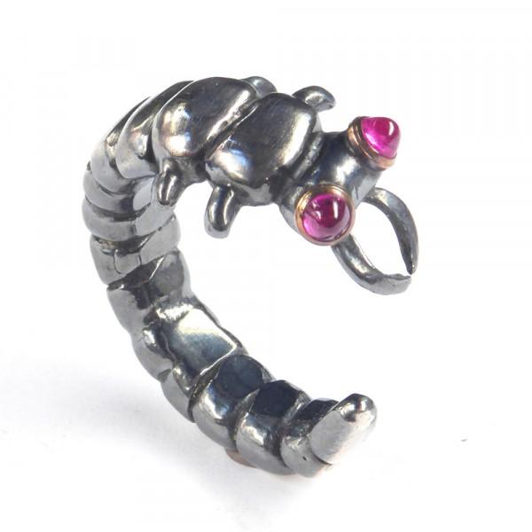 Schmuck vom Goldschmied kaufen Silber Ring Libellenlarve mit Rubin 600x600 - Ring Libellenlarve aus Silber mit synthetischem Rubin