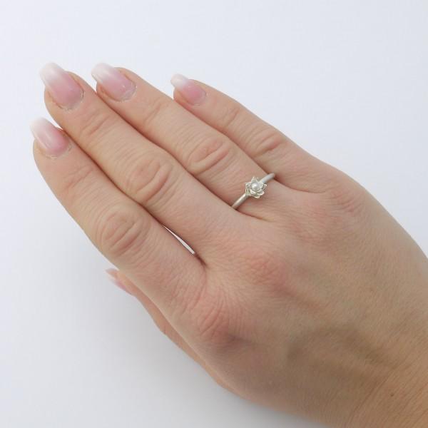 Seerosenring aus 925er Silber mit Süßwasserperle weiß 600x600 - Seerosenring 925er Silber mit Süßwasserperle weiß