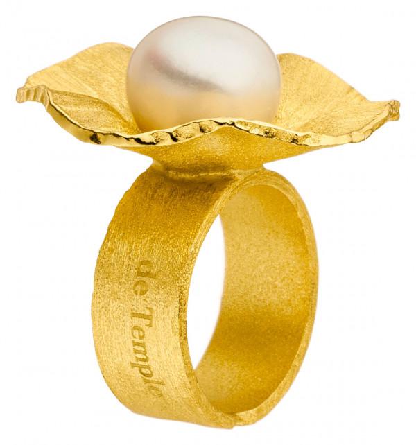 """Silber Ring vergoldet mit großer Zuchtperle Sakura 600x642 - Ring """"Sakura"""" aus vergoldetem Silber mit großer Zuchtperle"""