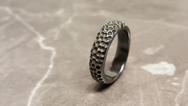 """Silberring Mond 600x337 - Männerring """"Mond"""" aus geschwärztem Silber"""