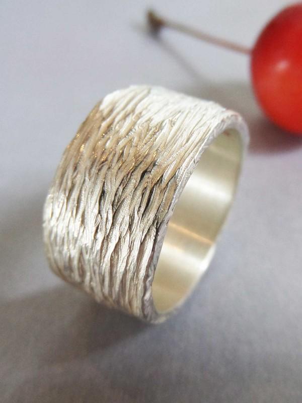 """Silberring Motiv Baumrinde 600x800 - Silberring """"Baumrinde"""""""