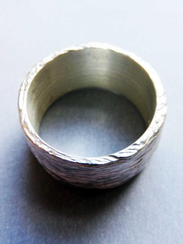 """Silberring kaufen mit Rindenstruktur 600x800 - Silberring """"Baumrinde"""""""